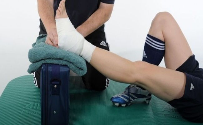 Elevate The Injury For Reduce Swelling