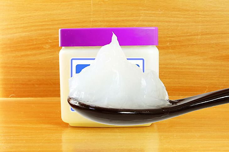 Petroleum Jelly for Redness on Face