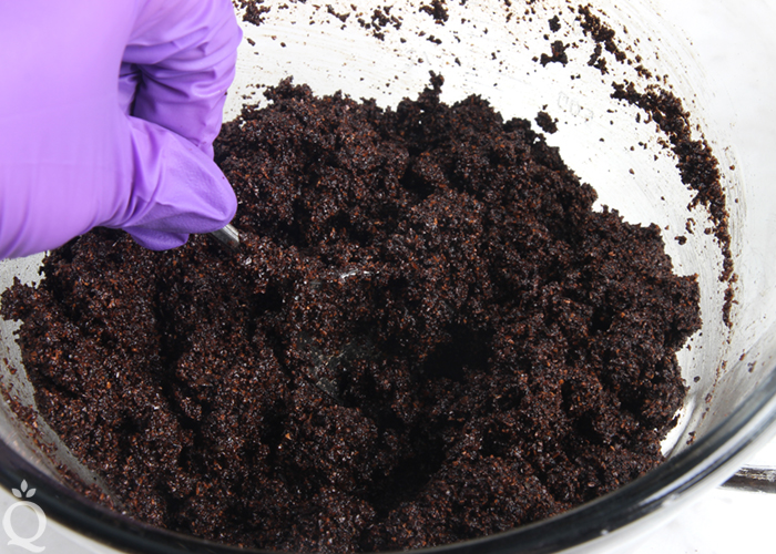 Coffee Grounds Scrub for Dry Skin