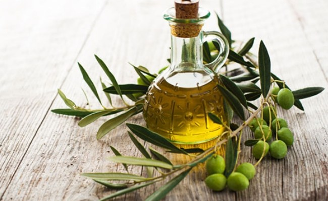 Olive Oil and Rosemary Oil for Breast Lift