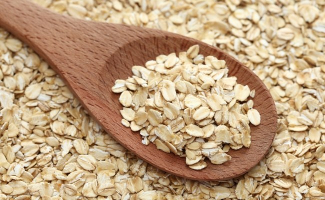 Oatmeal Remedy for Cracked Heels