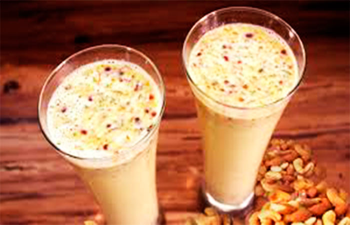 Dry Fruit Chocolate Milk Shake Recipe for Weight Gain