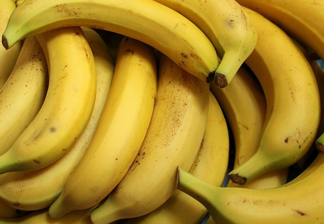 Banana-for-Healthy-Glowing-Skin