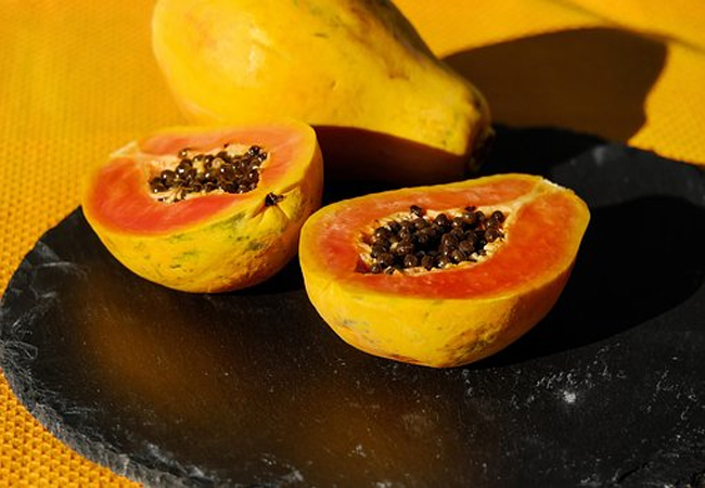 Papaya-to-Get-Rid-of-Skin-Pores