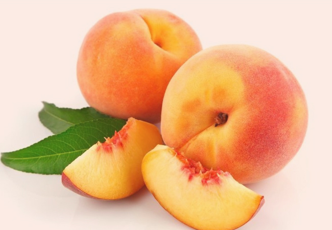 Peach-for-Healthy-Glowing-Skin