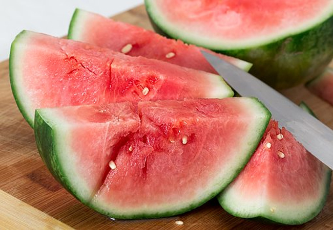 Watermelon-for-Healthy-Glowing-Skin