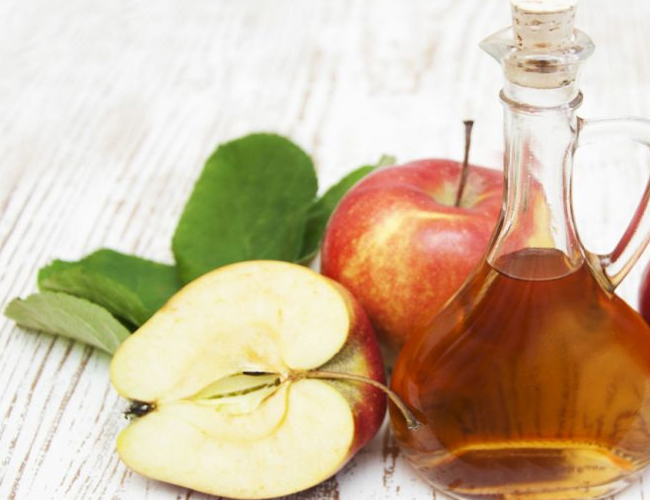 Apple-Cider-Vinegar-to-Treat-Vomiting-in-Children