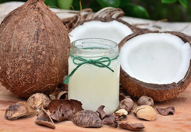 Coconut-Oil-for-Hair-Fungus
