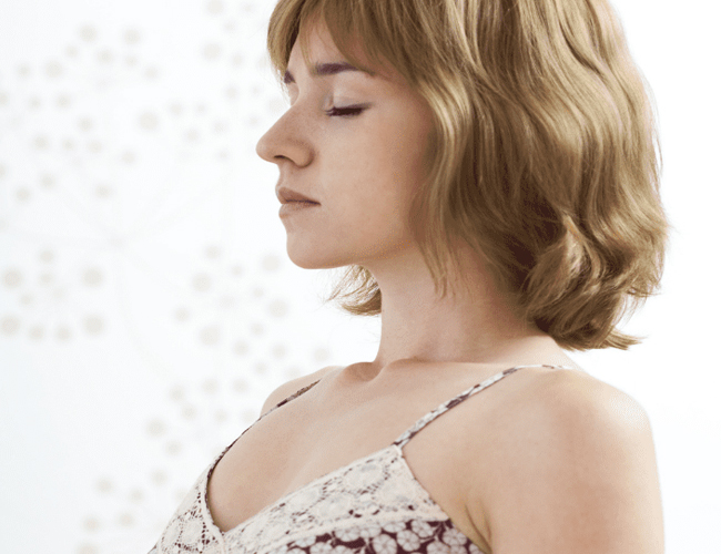 Diaphragmatic-Breathing-to-Treat-Menopause