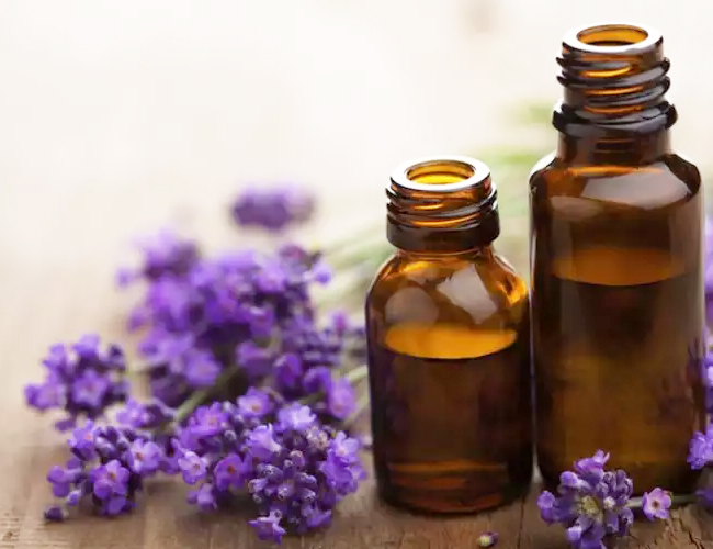 Lavender-Oil-to-Treat-Vomiting-in-Children
