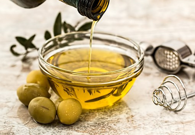 Olive-Oil-for-Hair-Fungus
