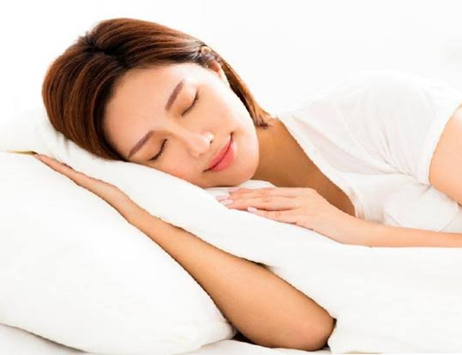 Proper-Sleep-to-Treat-Menopause